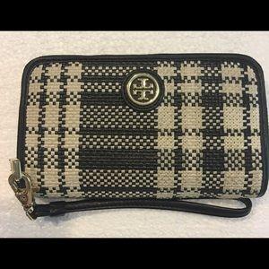 Tory Burch Woven Zip Wallet - Black Plaid
